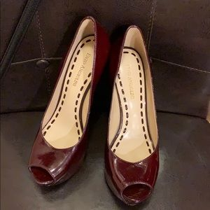 Burgundy open toe pump